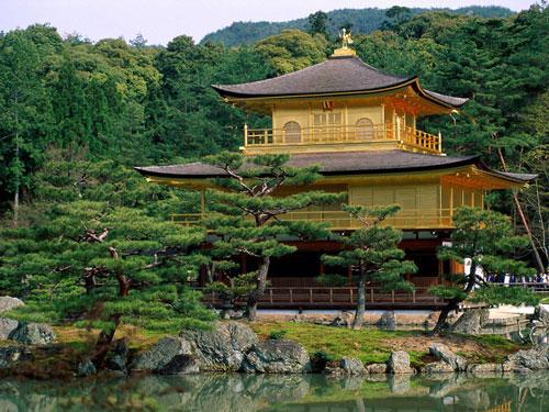 Tháp chùa Nhật Bản hấp dẫn du khách