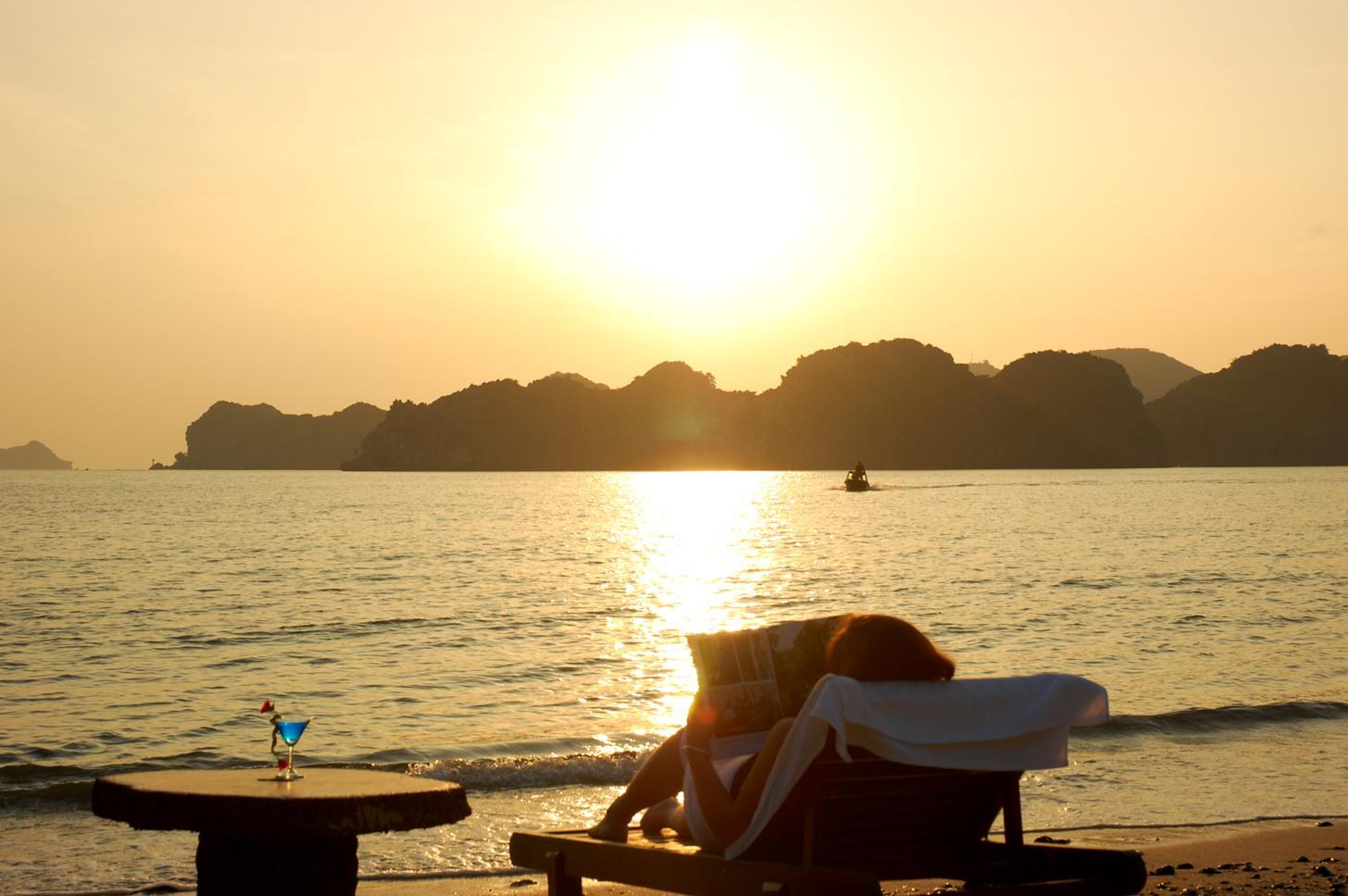 Hình ảnh 16.sunset at Monkey Island beach - Đảo Cát Bà